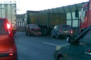 12 машин столкнулись утром на КАД