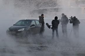 Прорывы труб с горячей и холодной водой произошли в Калининском и Невском районах