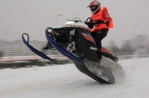 Чемпионат Петербурга и Ленобласти по кантри кроссу на снегоходах (фоторепортаж)
