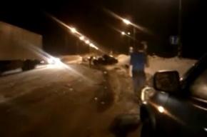 На трассе Москва – Петербург легковушка столкнулась с фурой