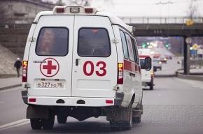 В торговом комплексе на Пулковском шоссе упал с высоты рабочий