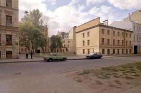 Сегодня пройдут одиночные пикеты против постройки элитного жилого дома в центре Петербурга