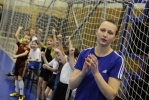 Фоторепортаж: «30-летняя петербурженка стала для мальчишек футбольным авторитетом»