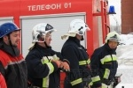 Пожарные показали, как быстро извлекать пострадавших в ДТП: Фоторепортаж