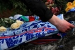 Фоторепортаж: «Фанаты возложили цветы к месту гибели Марины Малафеевой»