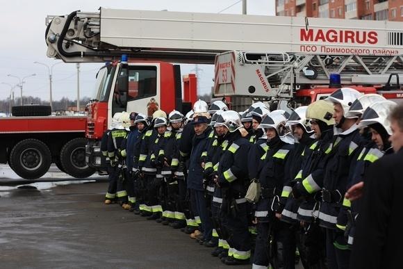 Бойцы пожарно-спасательного отряда показали, на что способны: Фото