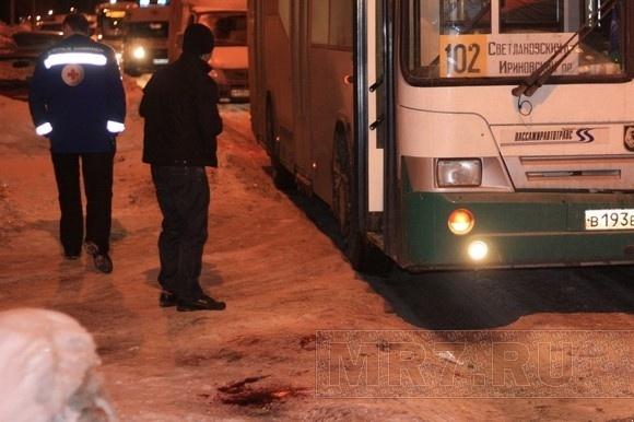 Драка в автобусе № 102 закончилась травмой водителя: Фото