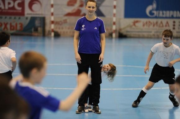 30-летняя петербурженка стала для мальчишек футбольным авторитетом: Фото