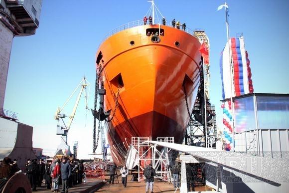 В Петербурге спустили на воду научное судно: Фото