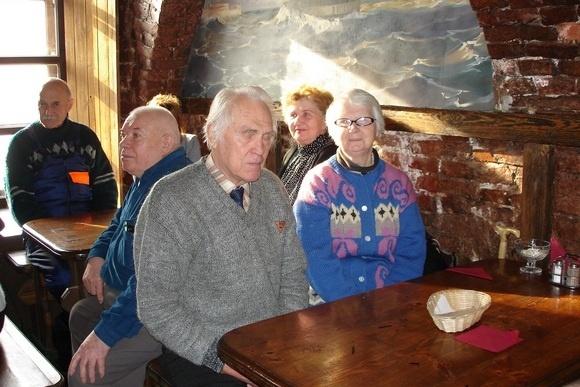 «Золотым» и «серебряным» юбилярам подарили поездку в Кронштадт: Фото