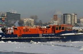В Неве собрано 100 кг нефтепродуктов