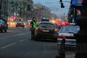 Питерский вор-вандал разобрал остановку общественного транспорта