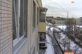Жильцов дома по улице Замшина обяжут чистить козырьки балконов?