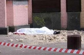 В центре Киева обрушилась часть стены отеля «Казацкий»