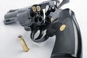 Сын нашел заряженный пистолет под кроватью у 78-летней матери