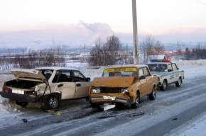 На КАД собрался паровоз из 11 машин