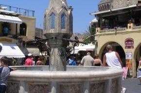Мое лучшее фото из Греции: фонтан, у которого танцевал Энтони Квин
