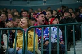 Болельщики СКА уже скупили половину билетов