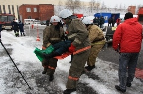 Пожарные показали, как быстро извлекать пострадавших в ДТП