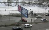Фоторепортаж: «У метро «Приморская» такси врезалось в ограждение»