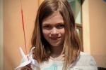 Петербургские дети сыграли в мини-волейбол и выпустили в небо бумажных журавликов: Фоторепортаж