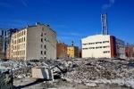 Фоторепортаж: «Пустырь на Петроградке превратили в огромную свалку снега и мусора»