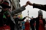 По центру Петербурга промчался «Марш Уродов»: Фоторепортаж