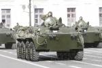 На Дворцовой площади репетировали парад: Фоторепортаж