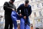 Фоторепортаж: «Глава комитета по культуре отмыл Достоевского»