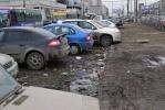 Возле станции метро «Проспект Просвещения» по-прежнему грязно: Фоторепортаж