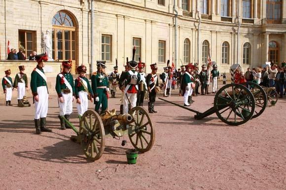 Наполеоновские времена наступят в Соляном переулке: Фото