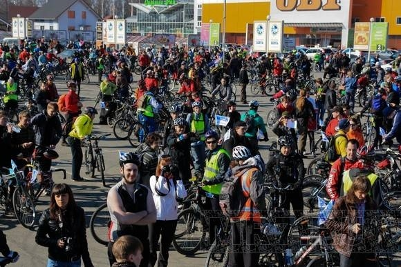 Велосипедисты открыли сезон: Фото
