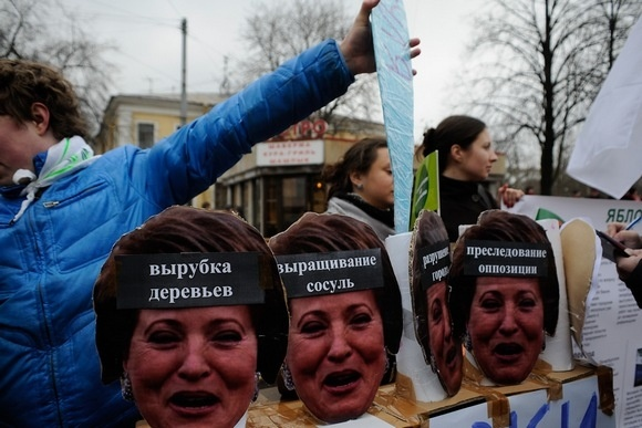 На «Марш в защиту Петербурга» пришло 2 тысячи человек: Фото