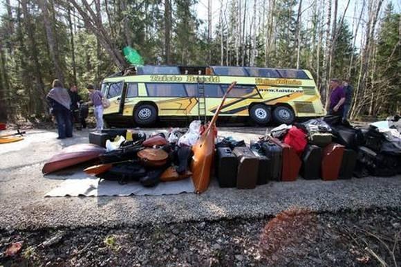 Двое детей из Петербурга, пострадавших в ДТП, остаются в больнице Тарту (ФОТО): Фото