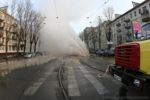 В Петербурге хлестал фонтан кипятка: Фото