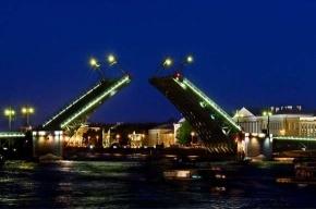 Сегодня разведут три моста
