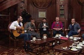 Медведев рассказал резидентам «Comedy club» о значении красных и зеленых папок у него на столе