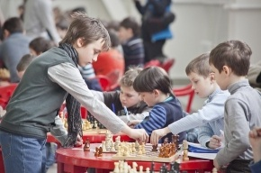 Гроссмейстеры поддержали начинающих шахматистов