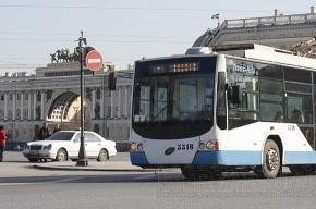С общественного транспорта в Петербурге уберут рекламу