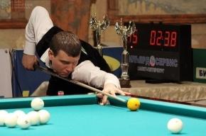 Петушков разгромил чемпиона мира по бильярду