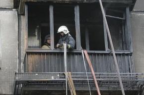 Пожарные сняли двух пенсионеров с балкона 9-этажного дома