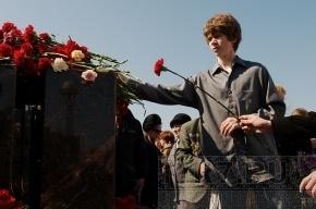 На аллее Чернобыльцев почтили память жертв атомной катастрофы