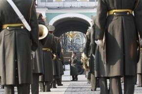 «Пусть Юдашкин шьёт платья, а не военную форму!»