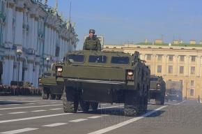 На Дворцовой площади репетируют парад