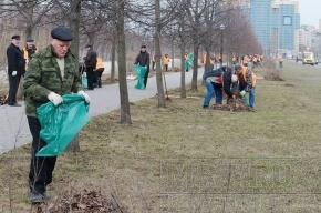 Аллею Чернобыльцев очистили от мусора