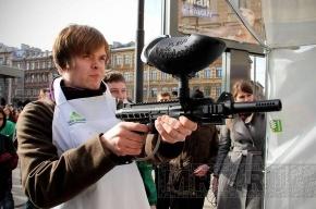 Прокремлевская молодежь расстреляла «коррупционера»
