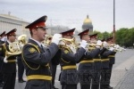 Фоторепортаж: «На Дворцовой площади прошел развод милицейских нарядов»