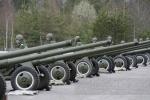 Курсанты-артиллеристы отрепетировали праздничный салют ко Дню Победы: Фоторепортаж