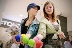 «Летающие дети» научили петербуржцев жонглировать: Фоторепортаж