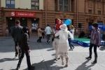 Фоторепортаж: «На Малой Садовой танцевали все и даже молодые папы»